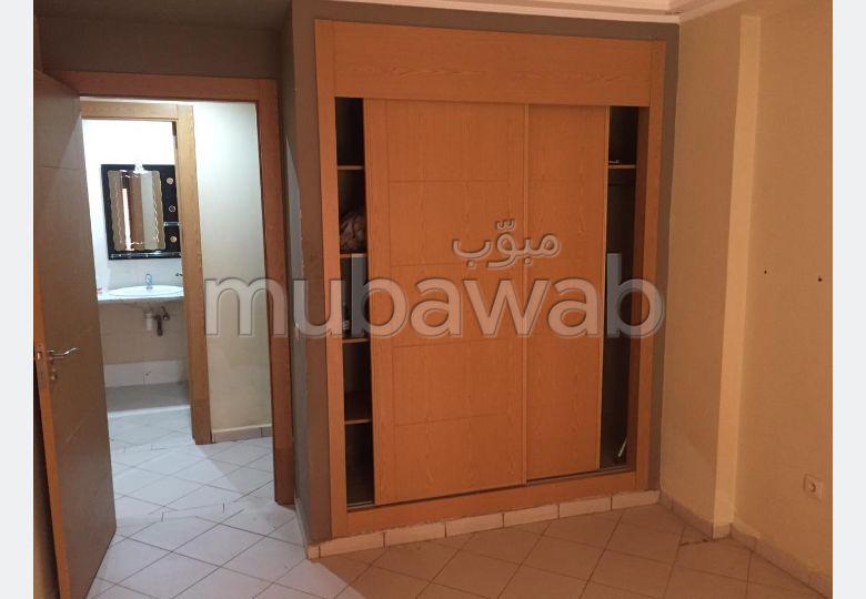 Superbe appartement à louer à Marrakech. Superficie 75 m². Résidence avec concierge, climatisation générale