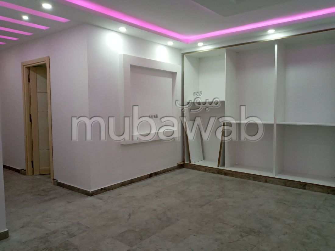 Un étage de maison neuf à vendre