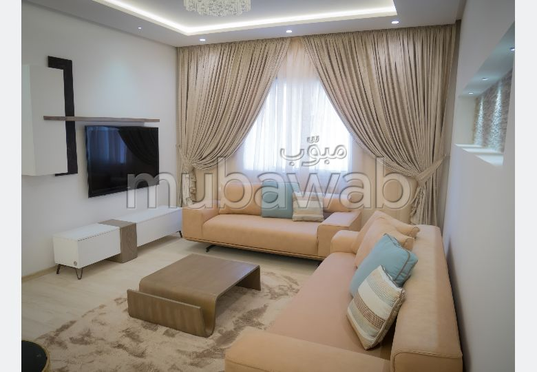 Find an apartment to buy. 3 beautiful rooms. Secured door, Secured neighbourhood.
