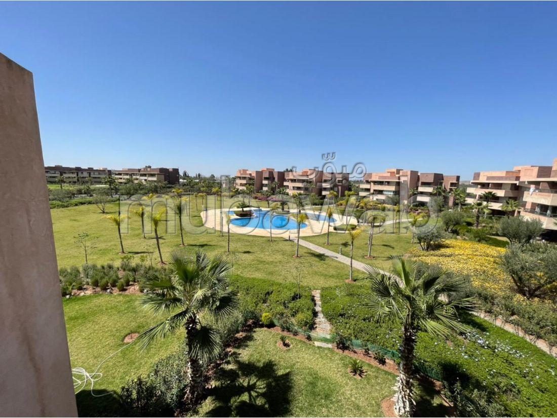 شقة رائعة للإيجار بكليز. المساحة الإجمالية 50 م². حديقة وشرفة.