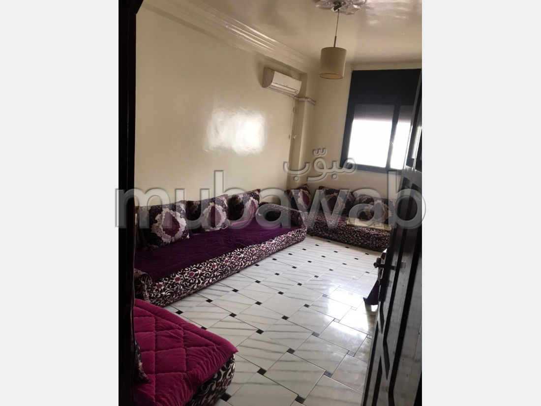 Find an apartment to buy in Mimosas. Surface area 233 m². Traditional Moroccan living room.