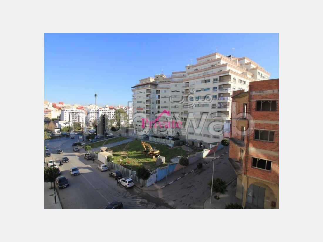 Fabulous apartment for sale. Large area 143 m².