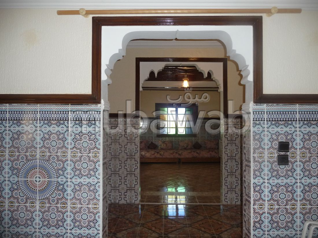 House for sale in Route de l'Ourika. 11 large rooms. Double glazing, Robust door.