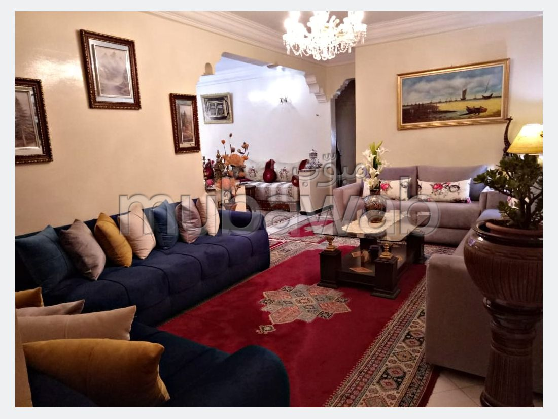 Apartment for sale in Horria. Area 114 m². Traditional living room, general satellite dish.