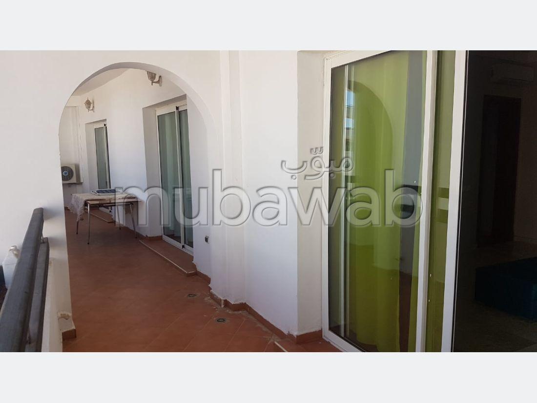 استئجار شقة ب المنطقة السياحية. المساحة الإجمالية 98 م². مفروشة.
