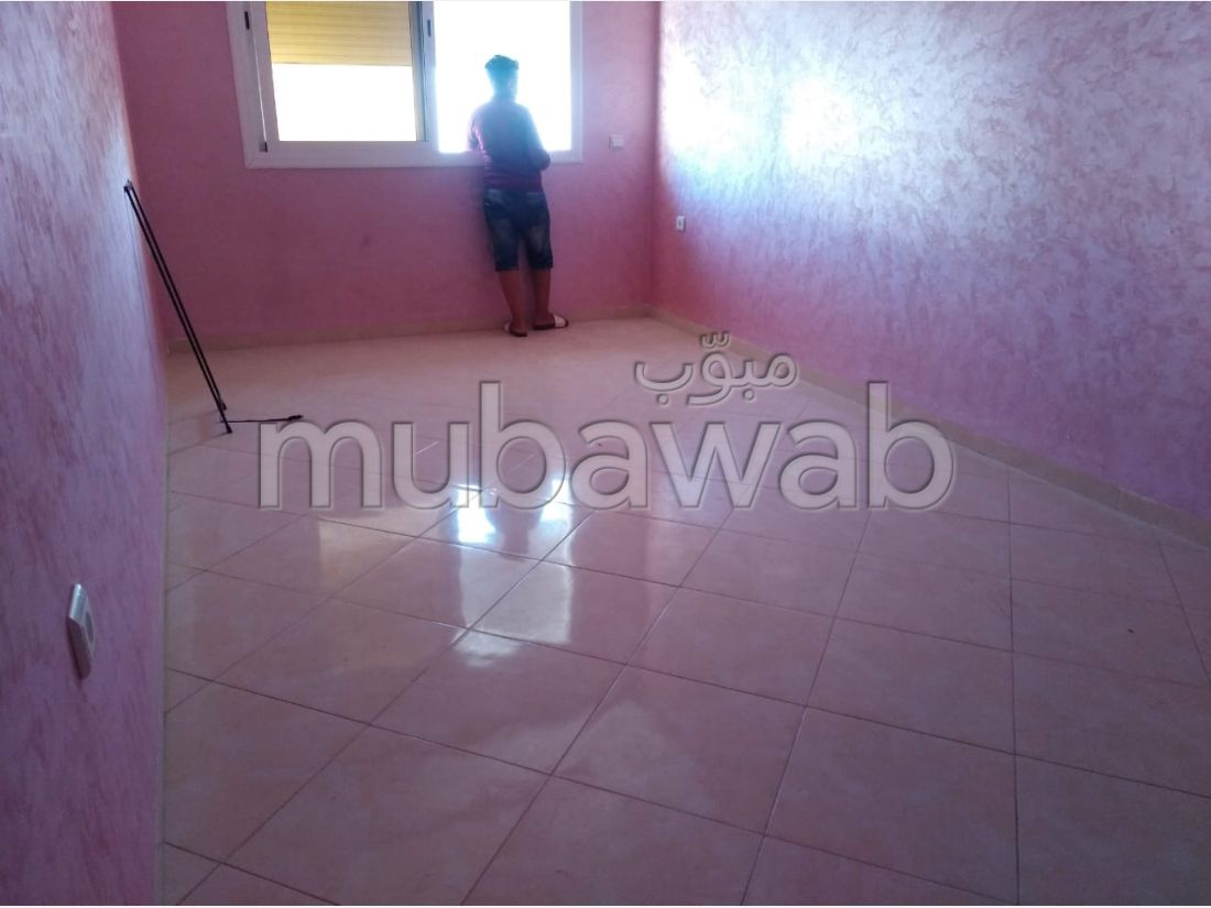 Apartment for rent in Hay Mohammadi. Large area 80 m².