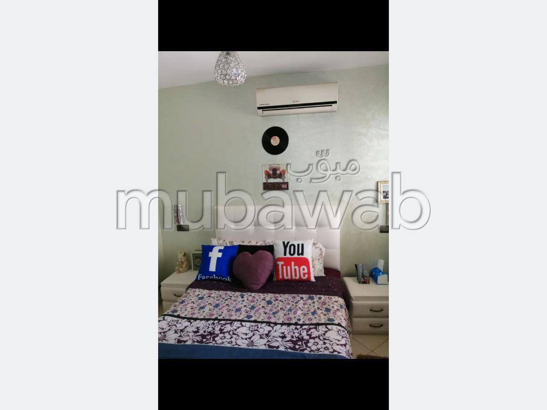 Bel appartement en location à Hay Houda. Surface totale 56 m². Bien meublé.