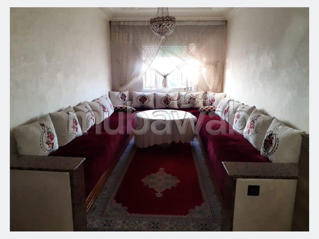 Vente d'un bel appartement à Tabriquet. 2 chambres. Jardin et garage.