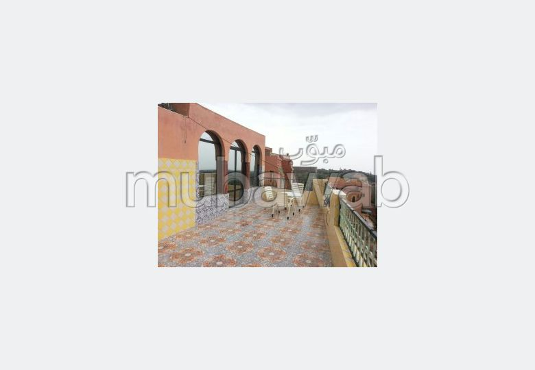 Find your house to buy in Route de l'Ourika. Area of 172 m². Garage and terrace.