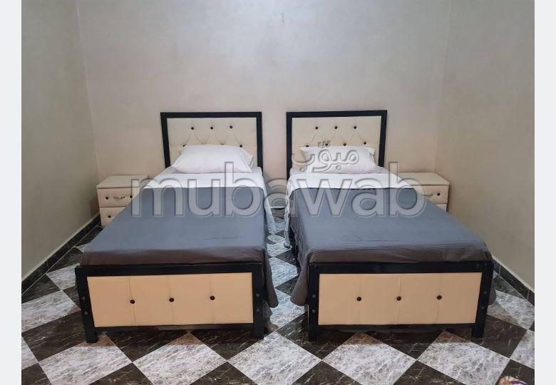 Superbe maison à vendre à Marrakech. Surface de 3× 80 m². 3 etage