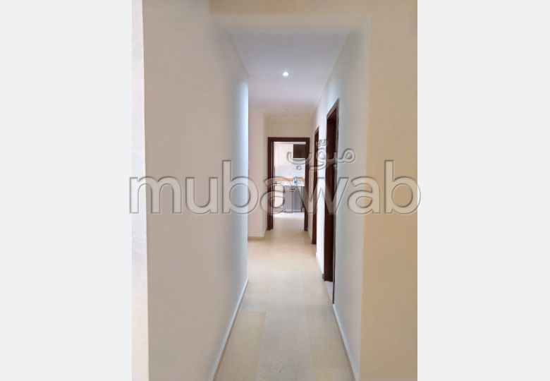 Apartment for rent in Hay Mohammadi. 1 Room. caretaker available, air conditioning system.