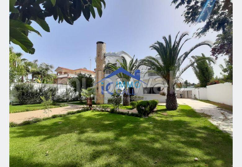 En LOCATION villa 1000 m² usage bureau à HAY RIAD
