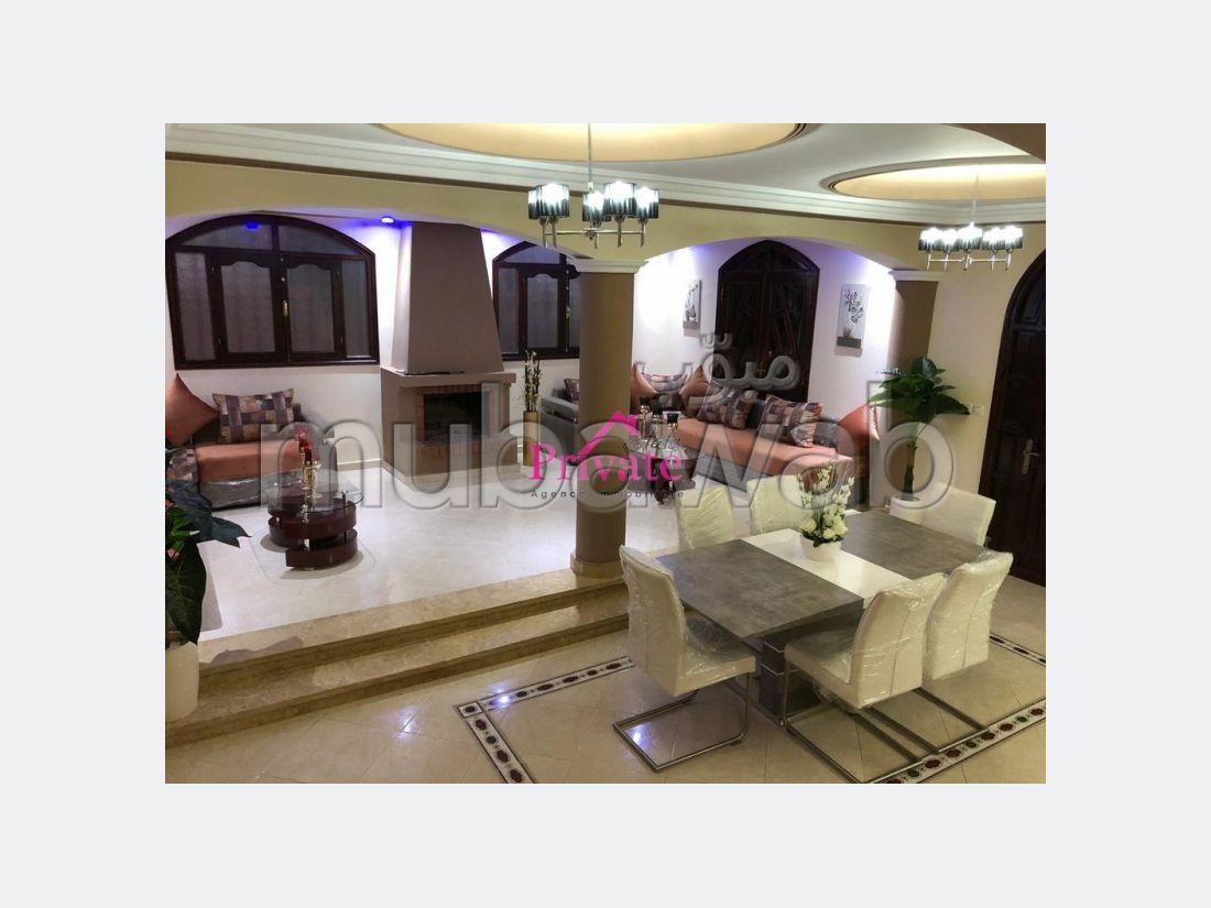 Splendid villa for sale in Jbel Kbir. 4 beautiful rooms. Parking spaces and garden.
