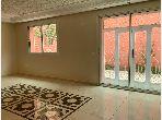 Louez cet étage de villa à Marrakech. 3 pièces. Terrasse et ascenseur
