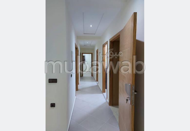 شقة للكراء 3 بيوت بلكون خاص الموظفين