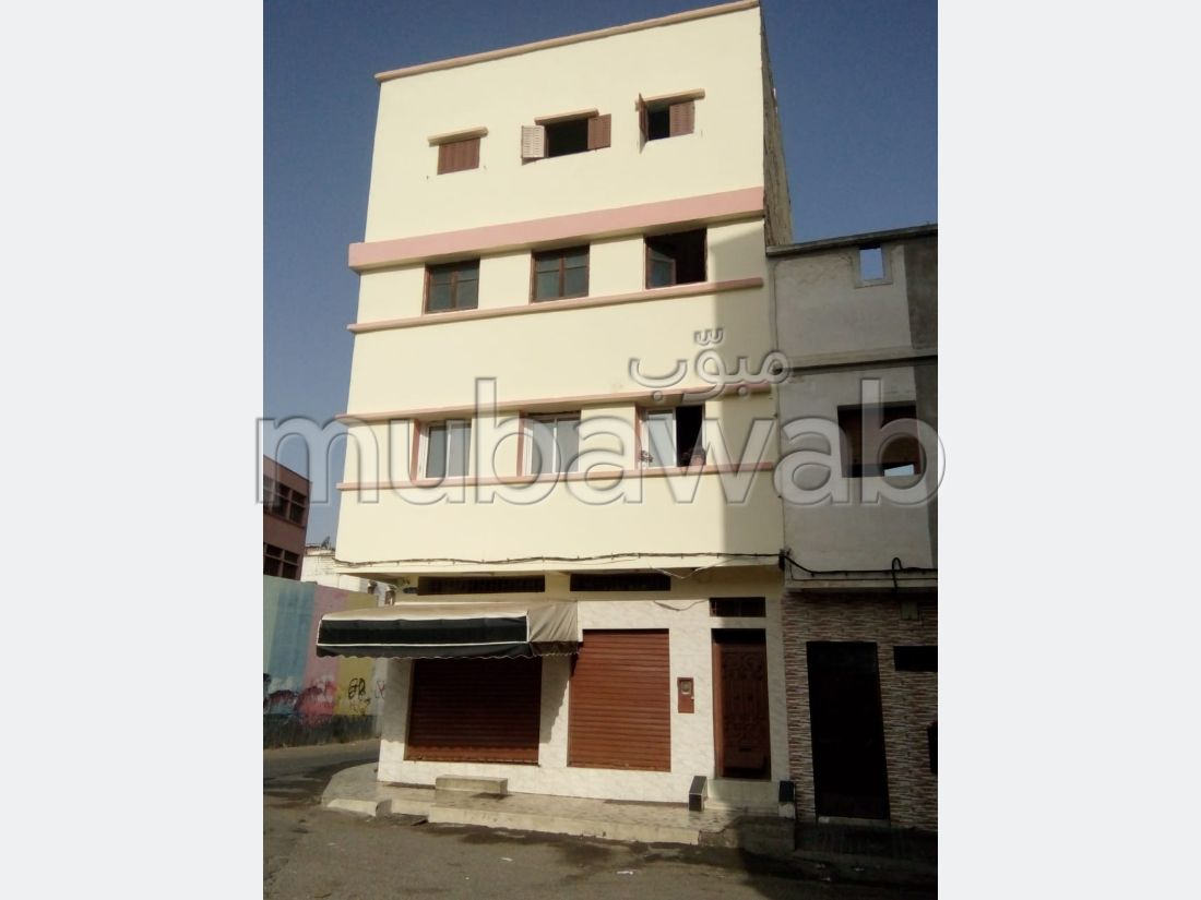 House to buy in Ain Chock. 8 beautiful rooms.