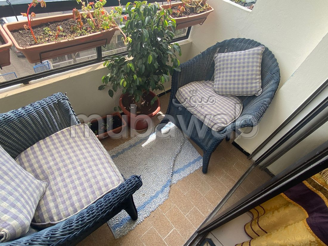 Fabulous apartment for sale in Administratif. 3 Large room. Carpark, Balcony.