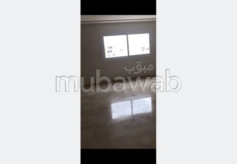 Vend appartement en Centre. Superficie 169 m². Places de parking et terrasse