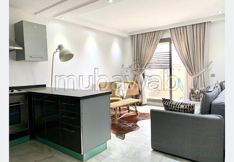 Precioso piso en alquiler en Ain Diab. 1 bonita habitación. Bien decorado.