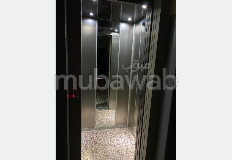 Se vende piso en Hay Mabrouka. 2 Dormitorio. Sin ascensor.