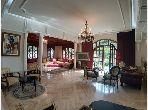 منزل رائع للكراء ب أنفا العليا. المساحة الكلية 750 م². موقف السيارات وشرفة.