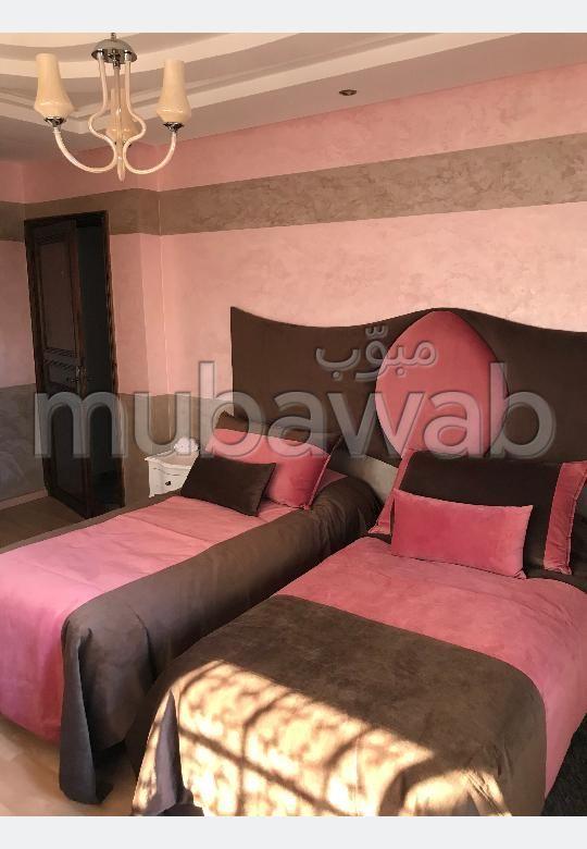 Luxury villa for sale in El Hadadda. 4 lovely rooms. Terrace and garden.