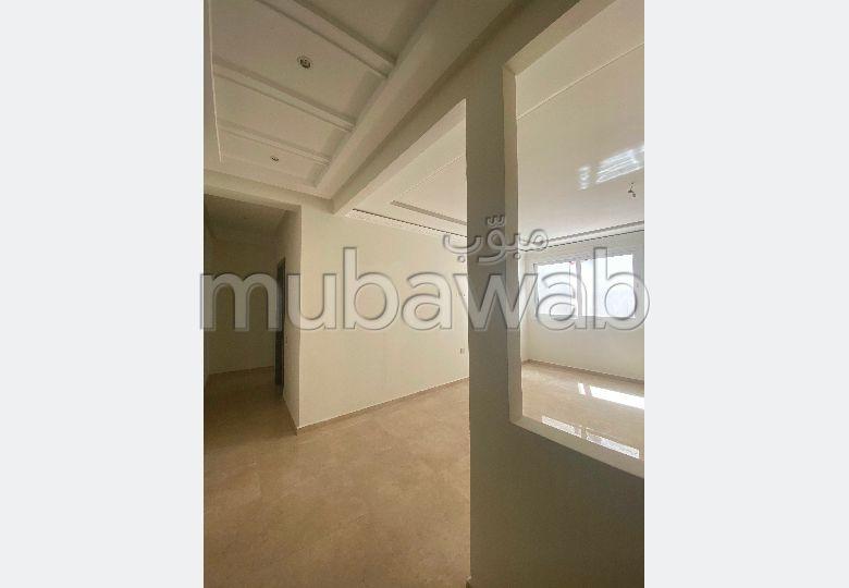Magnífico piso en venta en Mozart. 4 Estudio. Residencia con conserje, aire condicionado general.