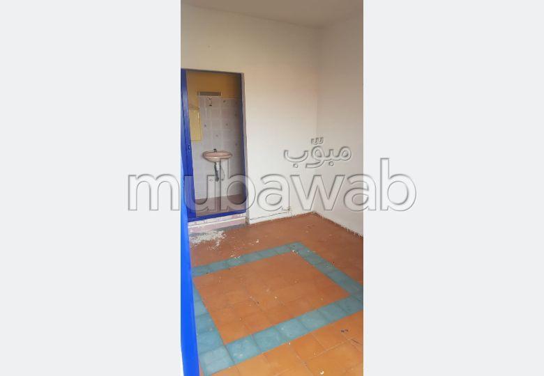Piso en venta en Daoudiat. Pequeña superficie 54 m². Conserje.