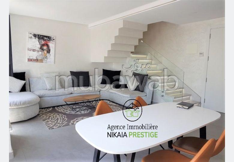 Magnifique DUPLEX meublé, avec BALCONS, SOLEIL