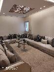 شقة جميلة للبيع بوسط المدينة. المساحة الإجمالية 69 م². خدمات الكونسياج ، و تكييف الهواء.
