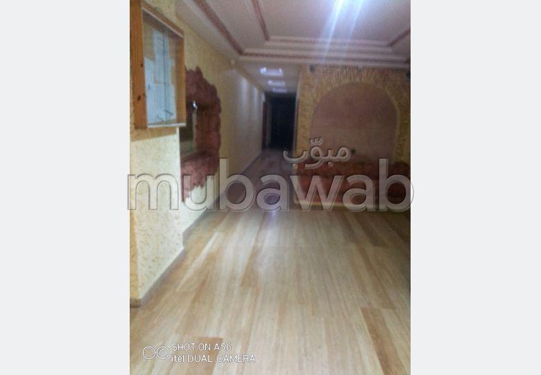 Louez cet appartement à Route Nationale Assilah (N1). Surface de 92 m². Avec ascenseur et terrasse.