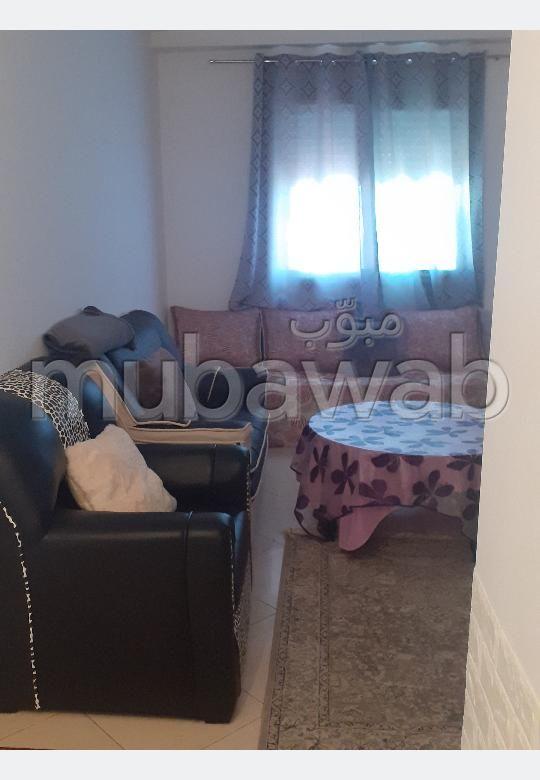 Location d'un appartement à Hay Mohammadi. 3 chambres. Meublé