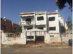 Villa de luxe à vendre à Hay Hassani. Surface totale 503 m². Parking et jardin.