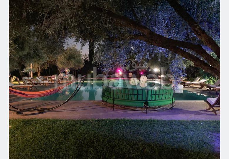 Villa sur 2 hectares, 7 chambres5 pavillons avec ch et sdb, hammam, piscine, tennis, écuries