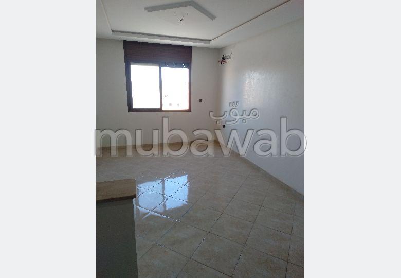 Bel appartement à vendre à Hay charaf. Superficie 71 m². Ascenseur et places de parking