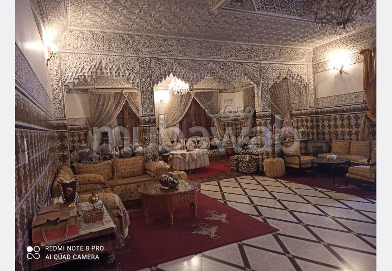 Somptueuse villa à vendre à Hermitage. 9 chambres. Meublée.
