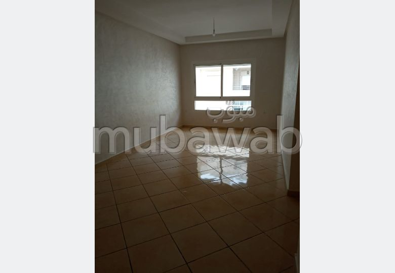 Flat for rent in Marjane. 3 large living areas. Green areas, No Lift.