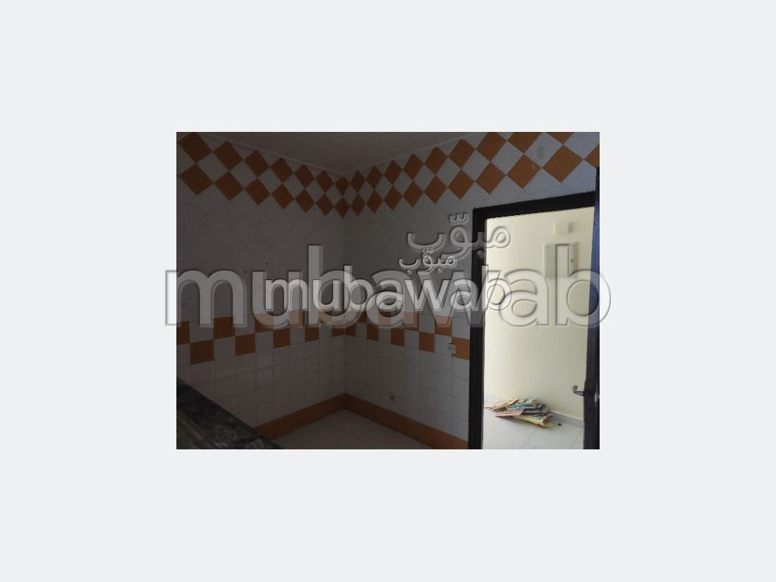 Apartment to purchase in Mister Khouch. 2 Toilet. Moroccan living room, security.