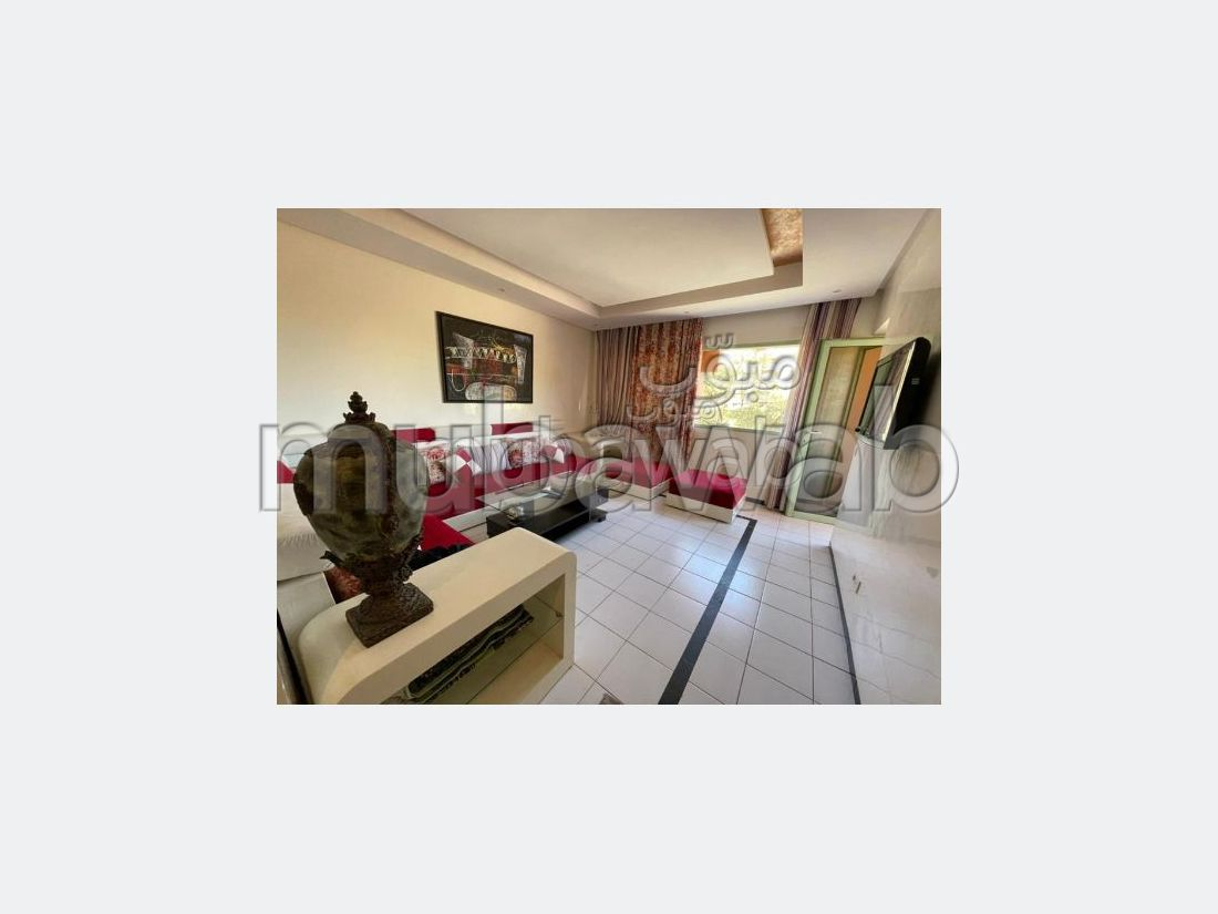 Apartment for sale in Hivernage. Small area 76 m². Cellar, Large terrace.