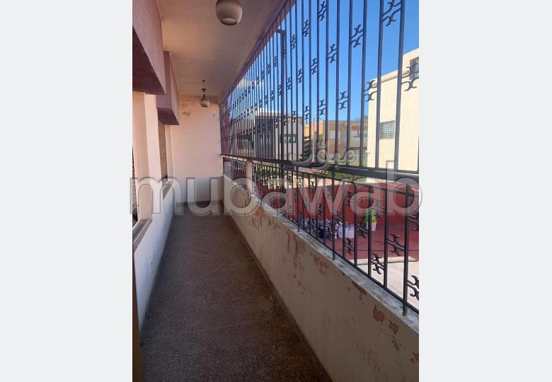 Find a house to rent in Lekrimat. 4 Large room. Parking spaces and terrace.