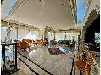 suntuosa casa en venta. Superficie de 485 m². Garaje y terraza.