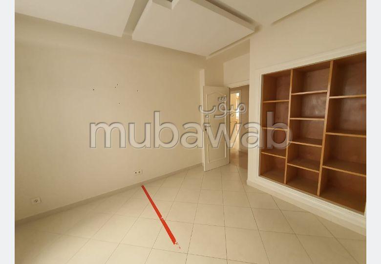 Bel appartement non meublé à louer hasnouna