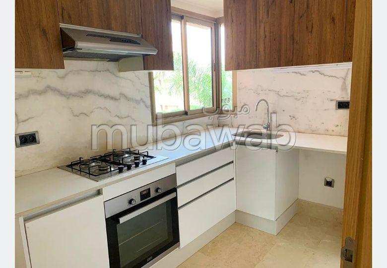 Appartement rénové 3 chambres à louer Prestigia