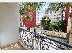 Se vende piso en Mimosas. 3 Dormitorio. Salón marroquí amueblado, residencia cerrada.