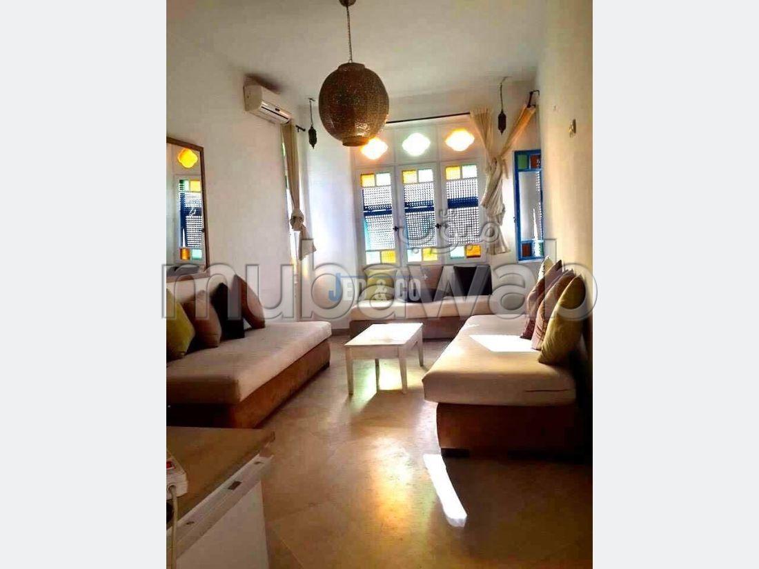 منزل جميل للكراء ب سيدي بو سعيد. المساحة الكلية 120 م². شرفة.