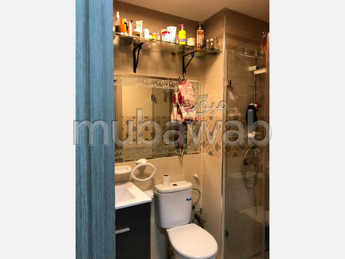 Appartement en vente à Route de Safi. 2 chambres. Porte blindée, salon marocain