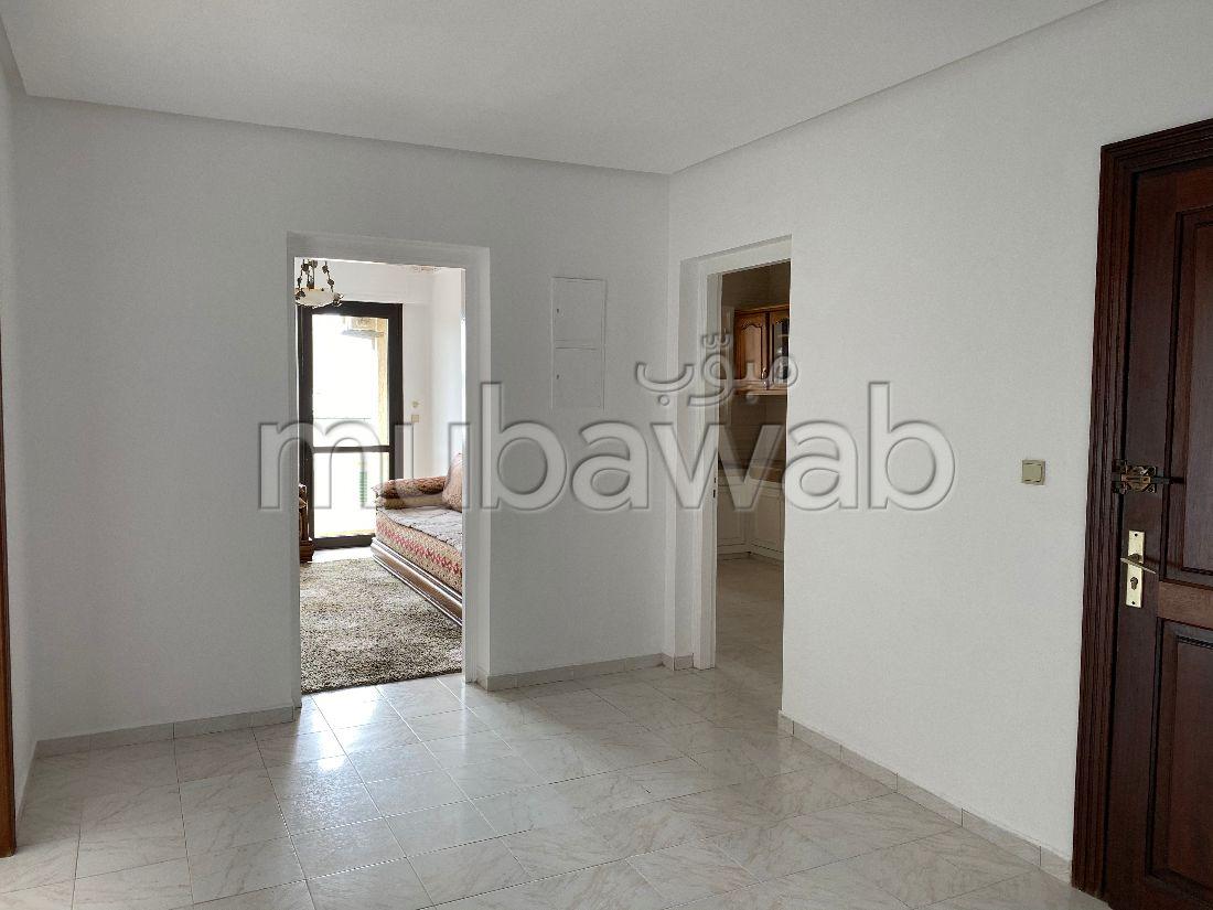 Lumineux Appartement en location Hay Riad