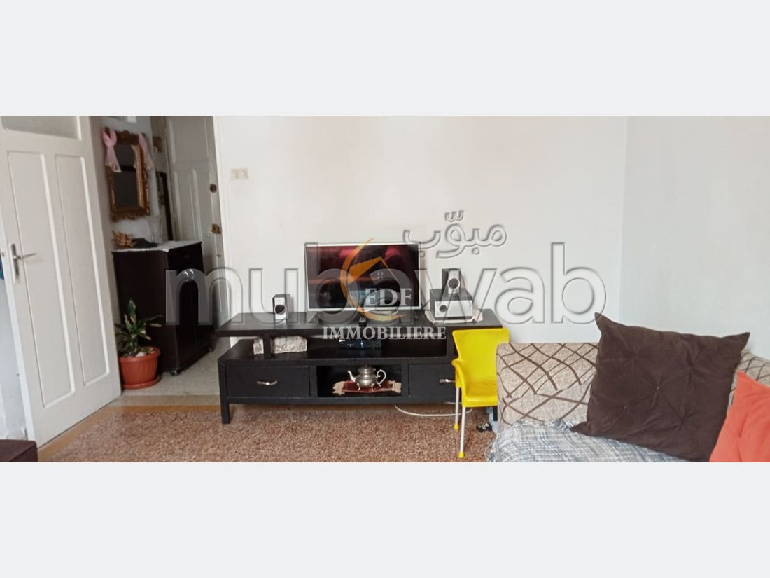 Sell apartment in Bizerte Centre Ville. 3 Small bedroom. Balcony.