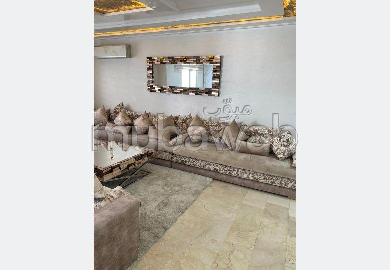 منزل ممتاز للبيع ب الجبل الكبير. المساحة الإجمالية 450 م².