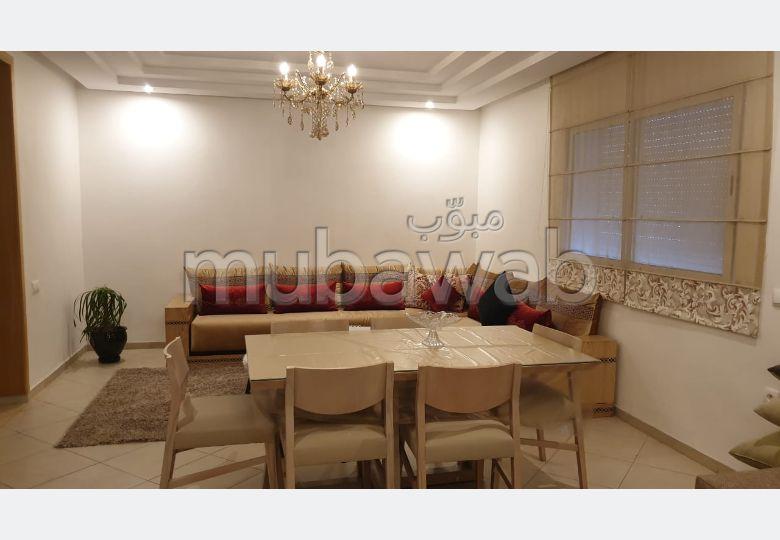 شقة جميلة للكراء بالحي المحمدي. 2 غرف جميلة. مفروشة.